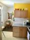 9,1% Rendite - Gut vermietete 2-Zimmer-Altbauwohnung in guter zentraler Lage - Kueche mit Esstischecke