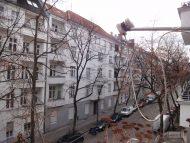 *** Helle, vermietete 2-Zimmer-Balkonwohnung in wunderschönem Altbau mit Option auf Eigenbedarf ***, 12051 Berlin, Wohnung