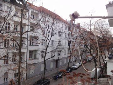 *** Helle, vermietete 2-Zimmer-Balkonwohnung in wunderschönem Altbau ***, 12051 Berlin, Etagenwohnung